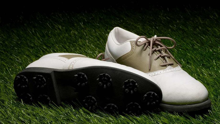 What are the Best golf shoes for walking 18 holes