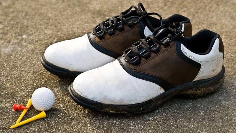 the best golf shoe for wide feet