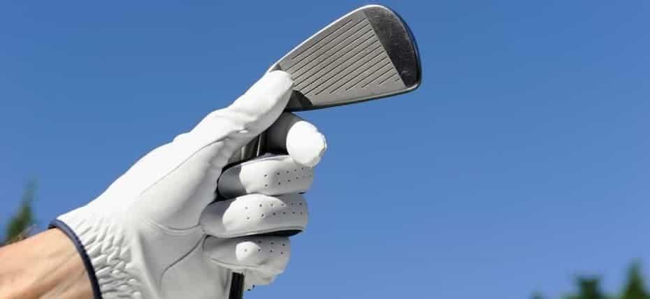 the Best golf gloves for rain