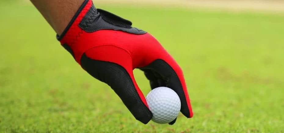 the Best golf gloves for sweaty hands