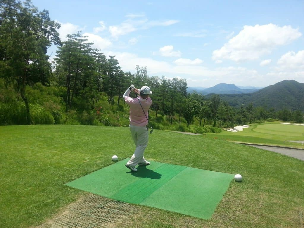 how to improve at golf without lessons