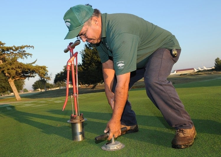 How to Keep a Golf Course in mint Condition