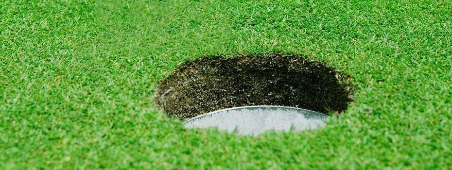 how to build a golf hole in your backyard