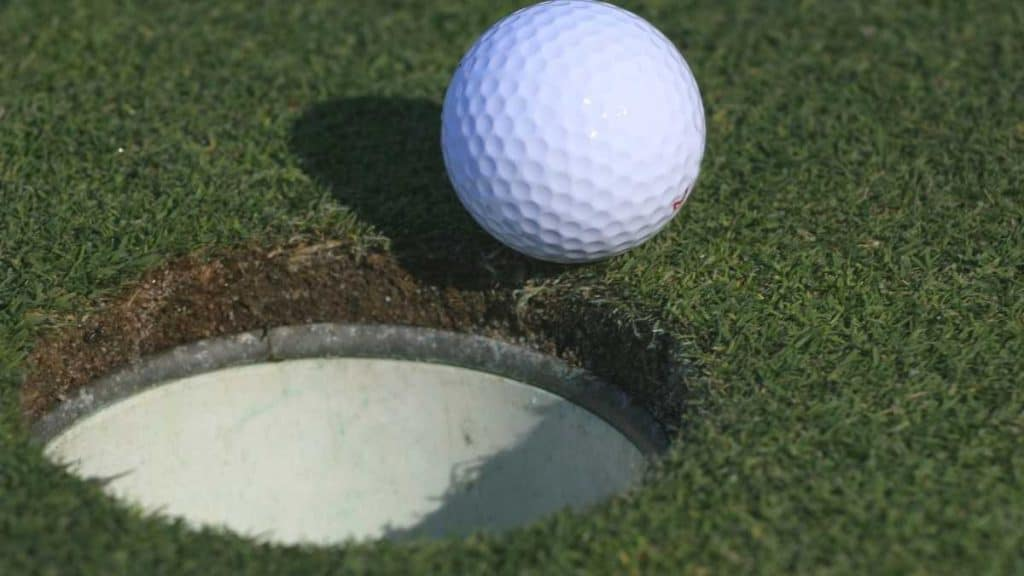 how to put a golf hole in your backyard